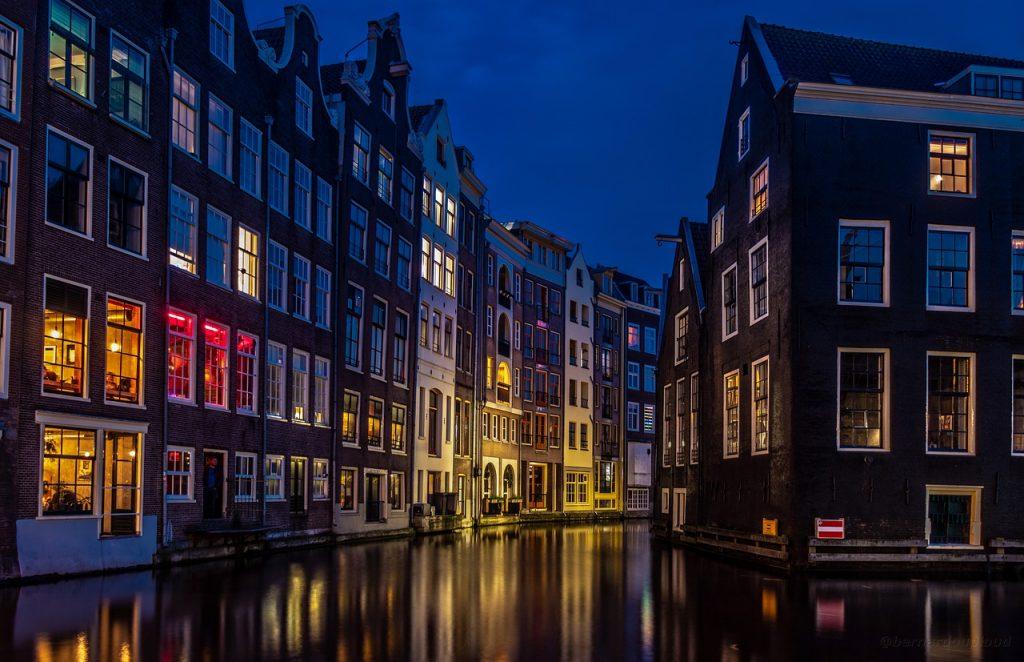 אמסטרדם בלילה