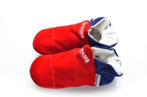 זוג נעליים מעוצבות